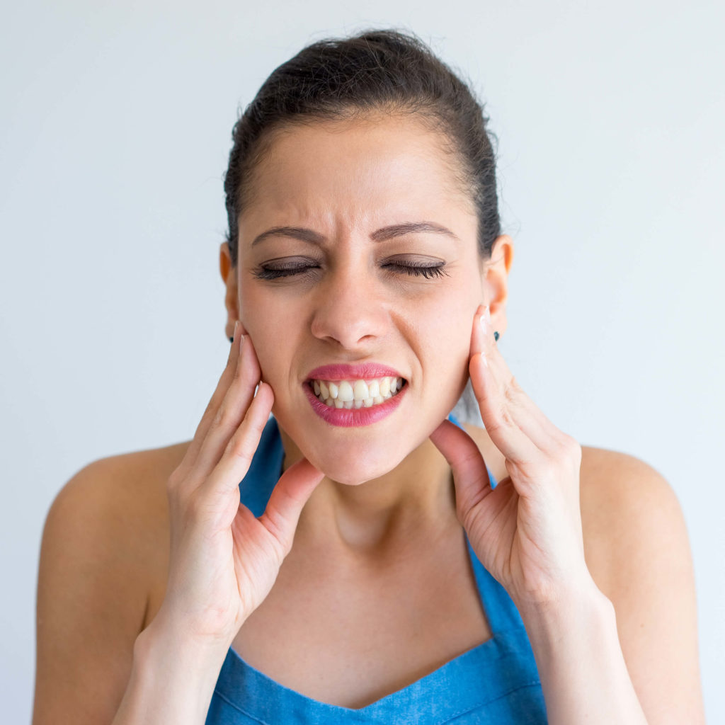 jaw pain symptoms & TMJ